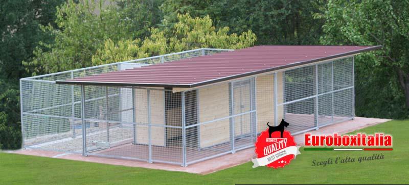 Box in legno con recinto esterno for Cancelletto per cani da esterno